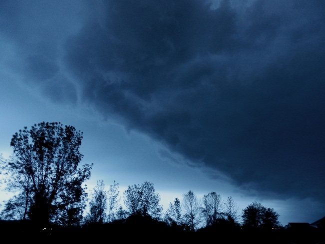 Menacing Sky right over our House! Collingwood, Ontario Canada