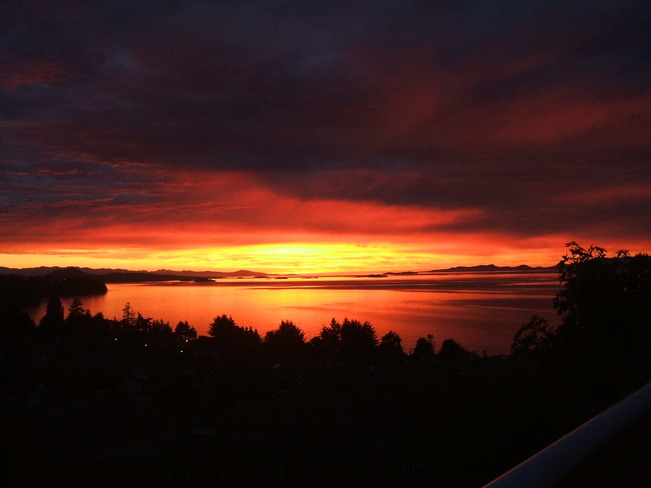 Island Sunset Nanaimo, British Columbia Canada