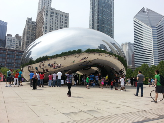 Cloud Gate (aka The Bean) in Millennium Park Chicago, Illinois United States