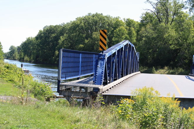 SWING BRIDGE Carrying Place, Ontario Canada