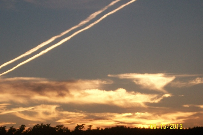 Jet Trails Shelburne, Nova Scotia Canada