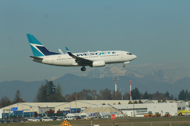 west jet landing at abbotsford airport