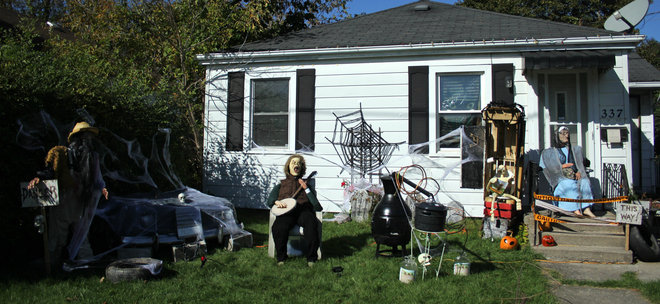 hillbilly halloween Kingston, Ontario Canada