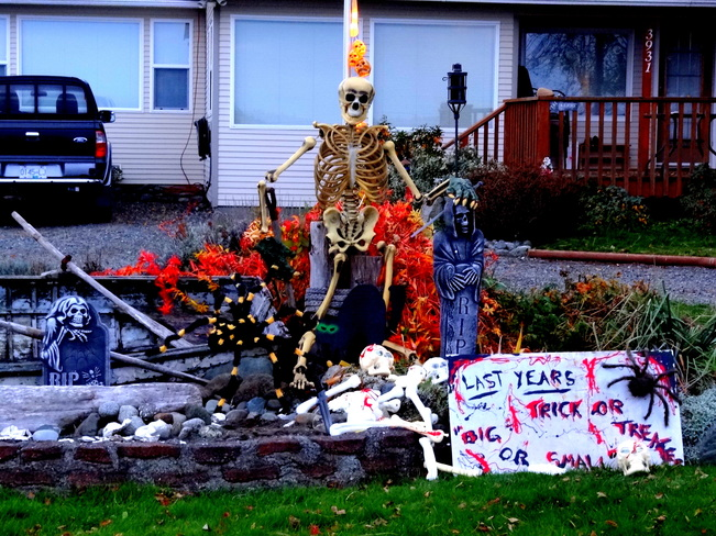 Last years trick or treaters!! Royston, British Columbia Canada