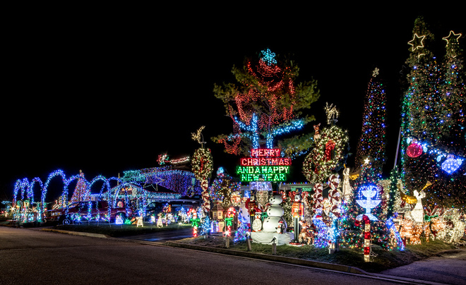 Pickering Christmas Lights.jpg Pickering, Ontario Canada