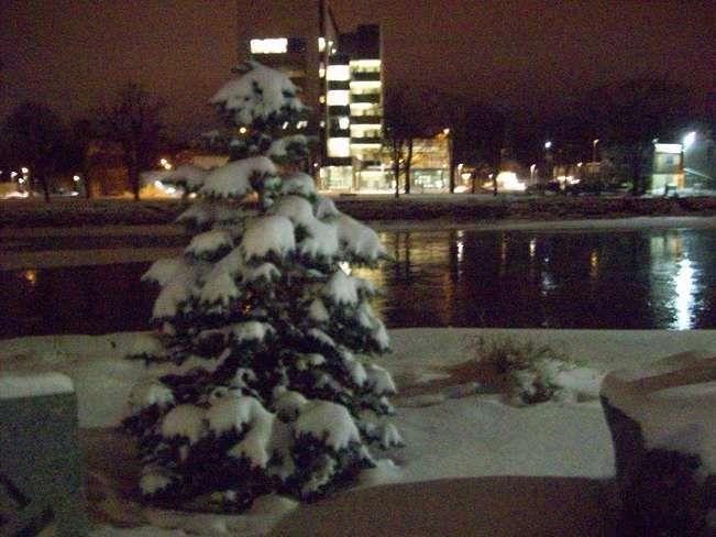 A nice clear Tuesday December 17 evening after yet anothrr snowfall Belleville, Ontario Canada
