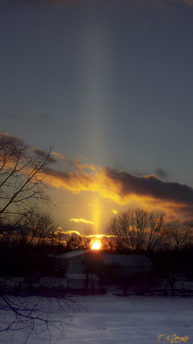 Awesome Sun Pillar Smiths Falls, Ontario Canada