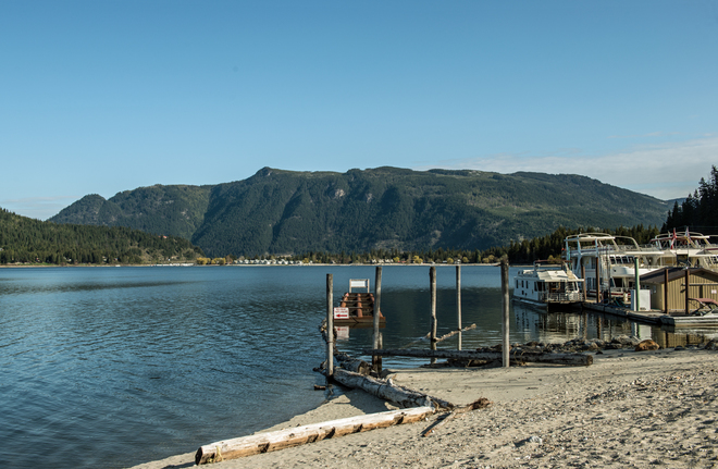 Gloirious spring day at Waterway Marina Sicamous, British Columbia Canada