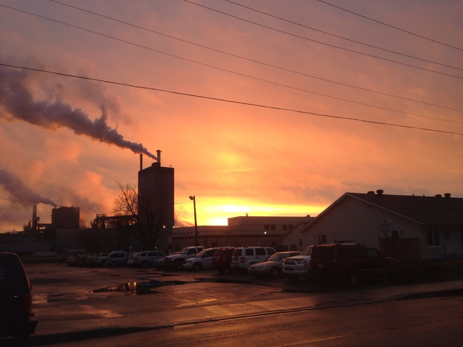 Sunset from Whyte ave Dryden, Ontario Canada
