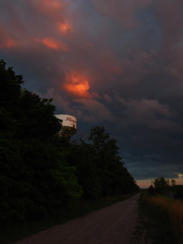 dramatic sunset Thorold South, Thorold, ON