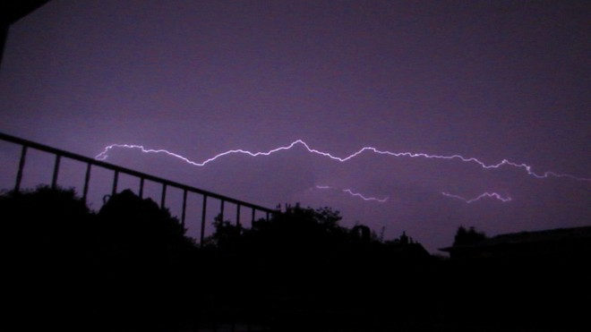 Electric Shocks Shattered Across The Night Sky! Stoney Creek, Hamilton, ON