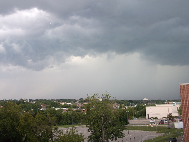 Storm gathering in Oshawa John St West and Centre St, Oshawa, ON L1J, Canada