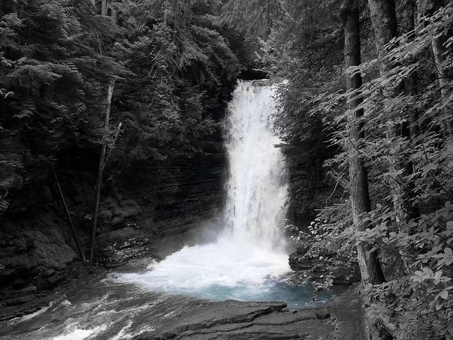 Waterfall Terrace, BC