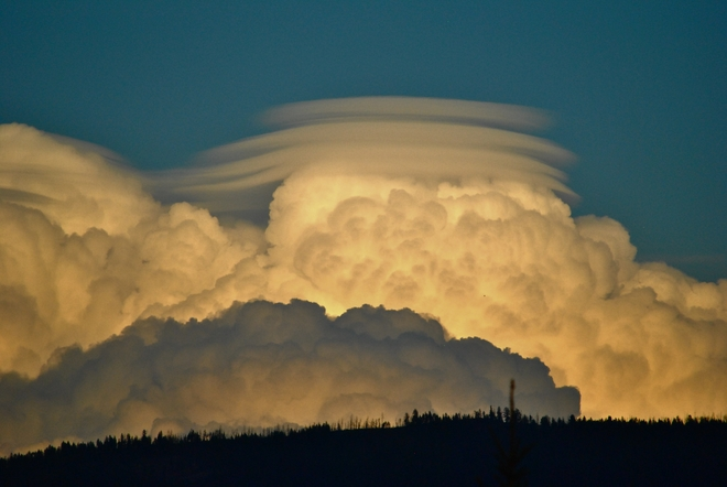 Lenticular Cloud Formation Kelowna, BC
