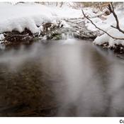 photos du jour.......l eau qui coule ne gèle pas.....
