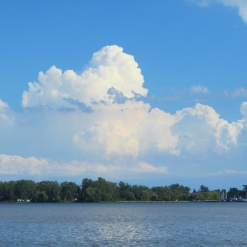 Cumulonimbus over the lake