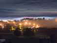 Brouillard sur la ville.