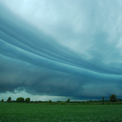 Impressive Multi-Layered Shelf Cloud