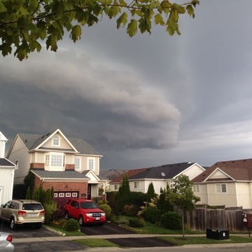 Wall cloud over Oshawa
