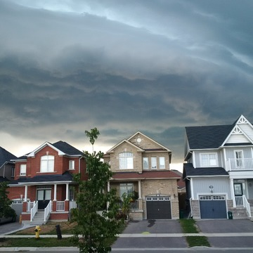 Storm cloud in Newcastle, ON