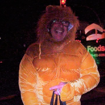 Smiling Lions and Leos Roam Downtown Streets in Creston