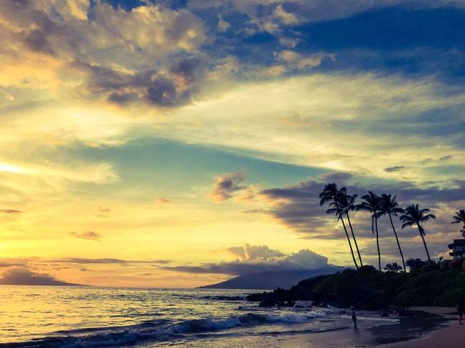 Sunset in Maui Polo Beach, Wailea-Makena, HI, United States