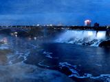 Chutes Niagara le soir! - Niagara Falls, ON