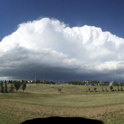 Helluva big cloud!