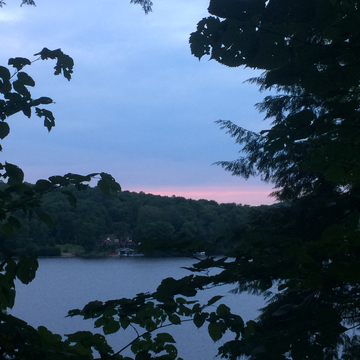 Cloudy sunset over Lake Vernon