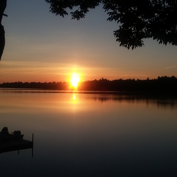 Beautiful sunrise over Beaver Lake