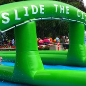 SLIDE THE CITY😎😎😎
