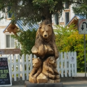 Kaslo wooden bears
