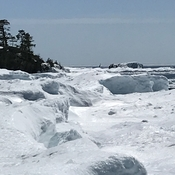 Ice shoreline walk