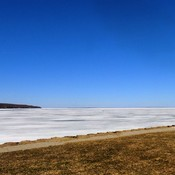 STILL ICE ON GEORGIAN BAY 24C 75F APR 23/18