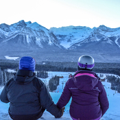 Couple in love (of skiing)