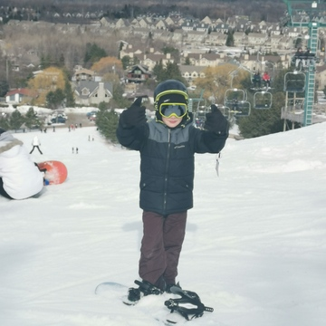 Snowboarding at Blue