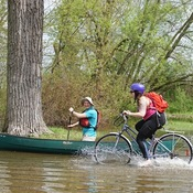 Canoeing along the bicycle path at Centre Island, Toronto (May 26, 2019)