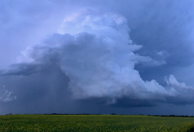 Supercell Thunderstorm Round Hill, Alberta, CA