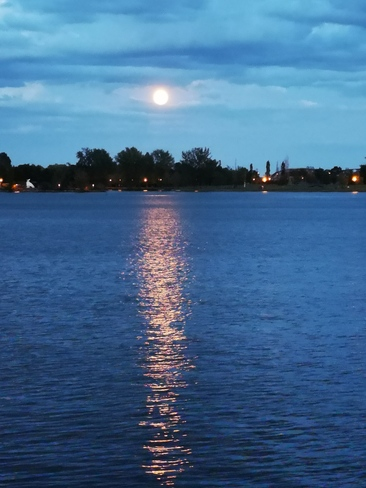 full moon Lachine, QC