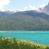 A beautiful feiw of Lake Louise