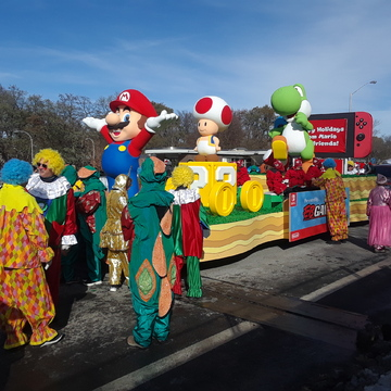 Nov.17,2019...Santa Parade in Toronto with Super Mario float