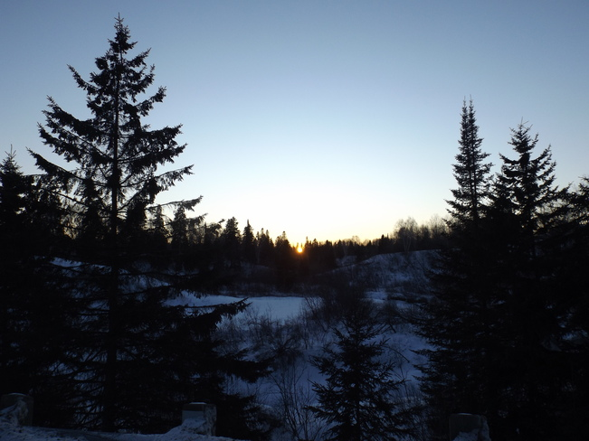 SUNSET at 6;20 PM 2100 Trotter Rd, Thunder Bay, ON P7K 1C2, Canada