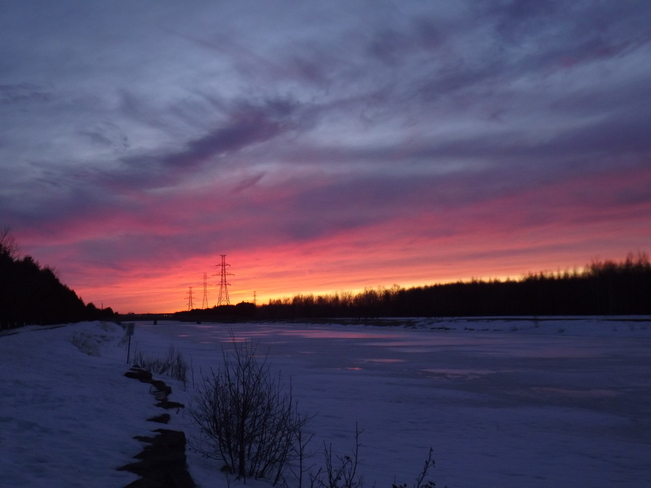 COLOURFUL SUNSET on SATURDAY NIGHT 375 Island Dr, Thunder Bay, ON P7C 3G8, Canada