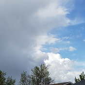 cells are forming cumulative clouds...may be blondsided by more tl come...ur rad