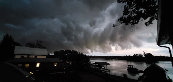 storm in 1000 islands Ivy Lea, ON