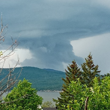 nice storm cloud over quebec