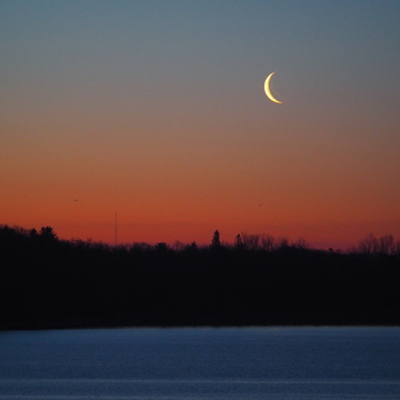 Moonrise over Lemoine Point