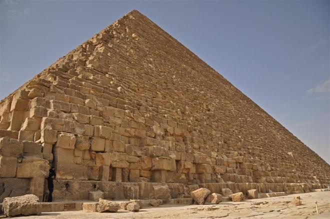 Great Wonder of the Ancient World El-Giza, Egypt